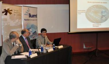 Candela Calle explica el model  d'èxit de l'ICO davant el Fòrum Empresarial del Llobregat